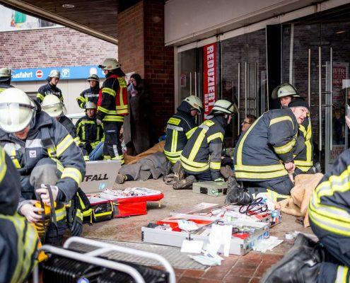 Versorgung von verletzten Personen durch die Feuerwehr